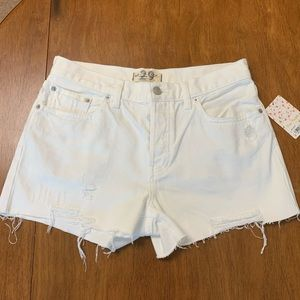 Free People White Jean shorts size 29